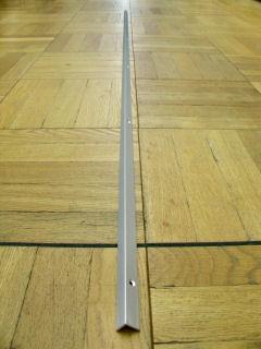 光モール フロアー材用のRアングル シルバー(穴付) 2000MM NO.1489