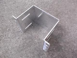 人工木デッキ用幕板固定金具