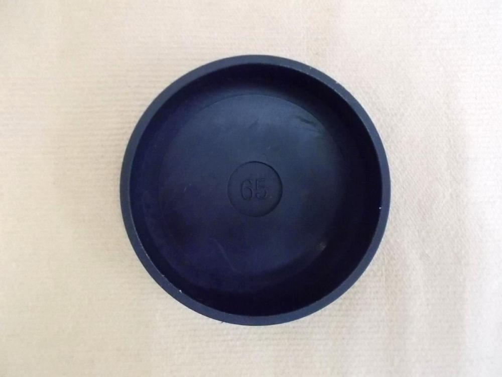 イスゴム平置 65mm 黒丸一個 HFD-0434
