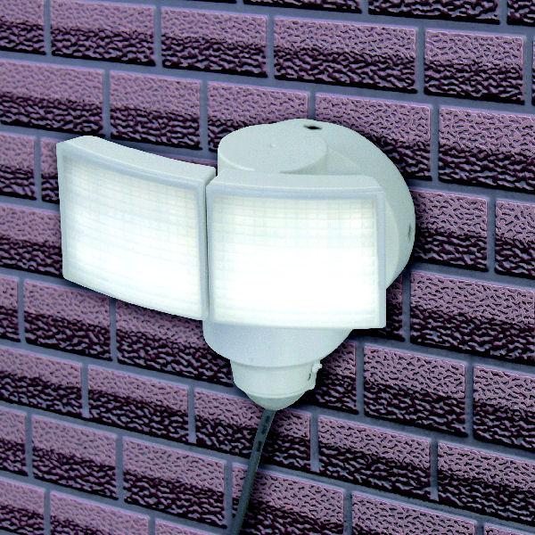 コメリ AC LEDセンサーライト 2灯 1200lm RL-N2L 1200AC